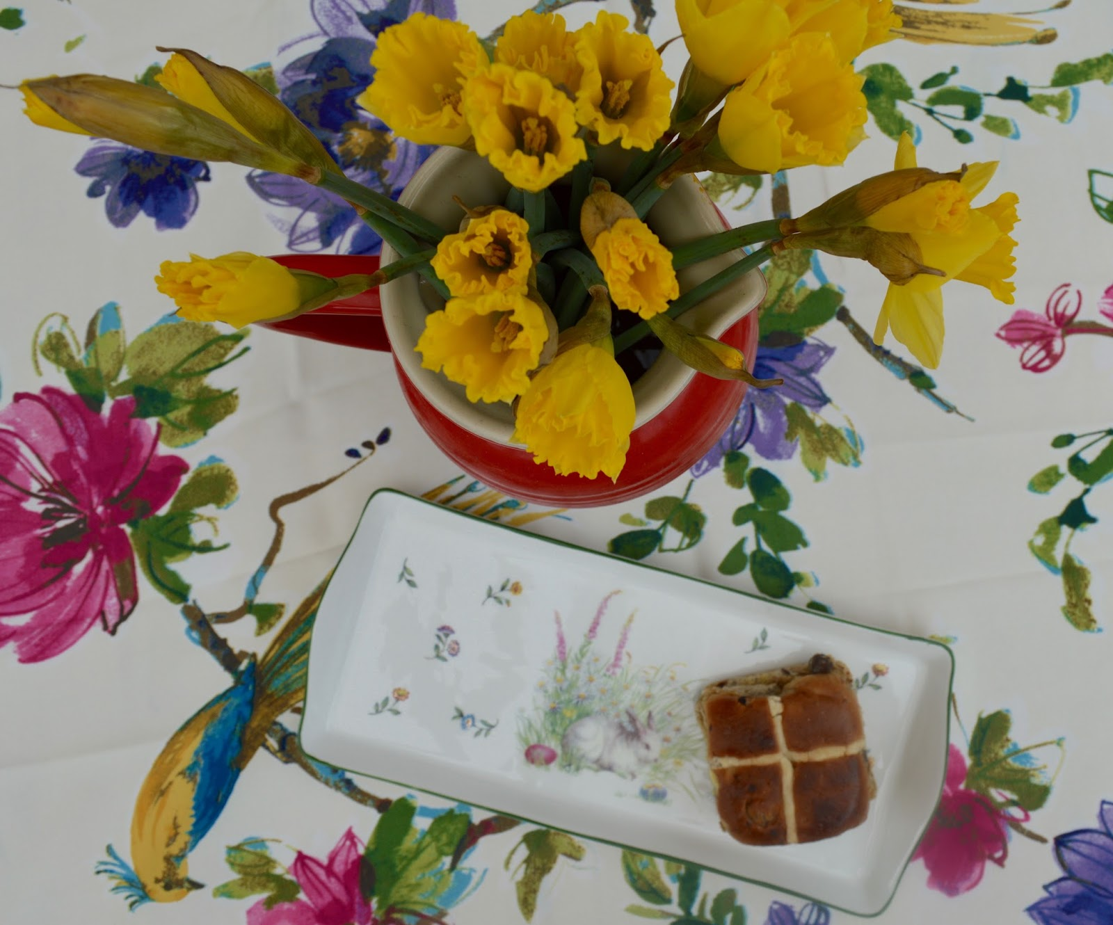 6 questions your children may ask about UK Easter traditions  - hot cross buns and daffodils