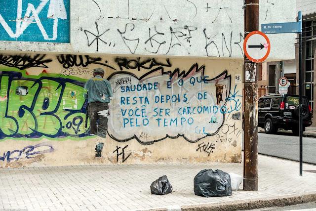 Parede com grafite e pichação