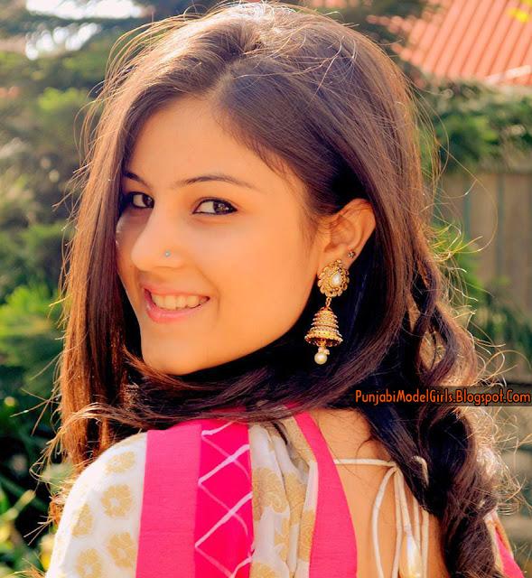 Beautiful Punjabi Songs Female Models  Englandiya-3121