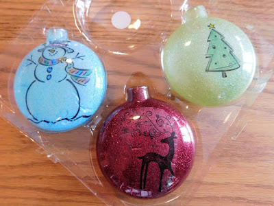 http://www.ourunschoolingjourney.com/2017/11/how-to-make-rubber-stamp-and-glitter.html