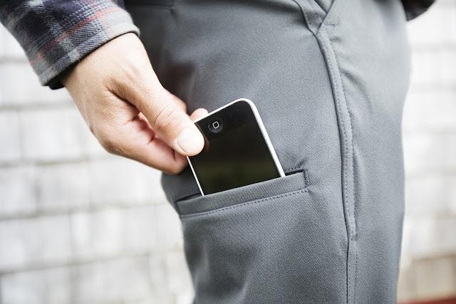 Alasan Untuk Tidak Menaruh Smartphone di Dalam Kantung Celana