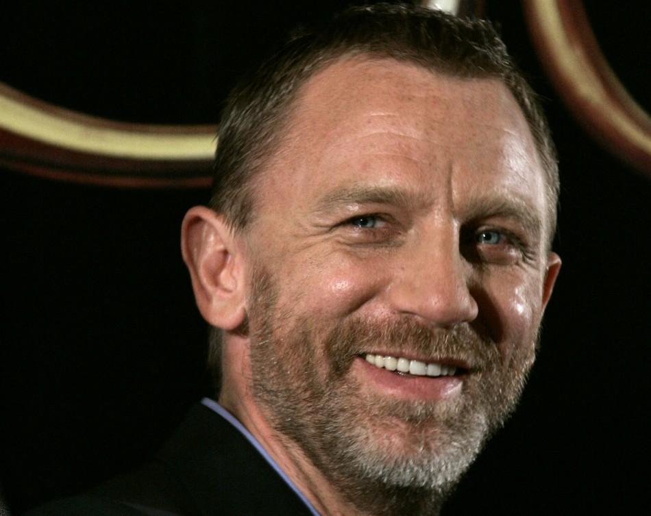 Movie Martin: Funny. Daniel Craig Gets Funny