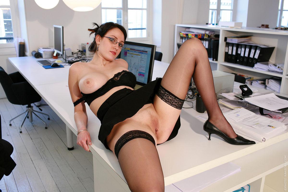 сборнике голая начальница фото порно видео