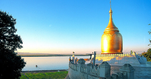 Bagan and the Irrawaddy River