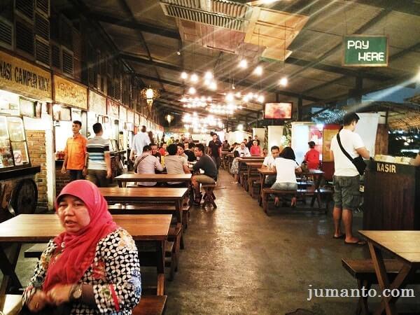 suasana paskal food market bandung