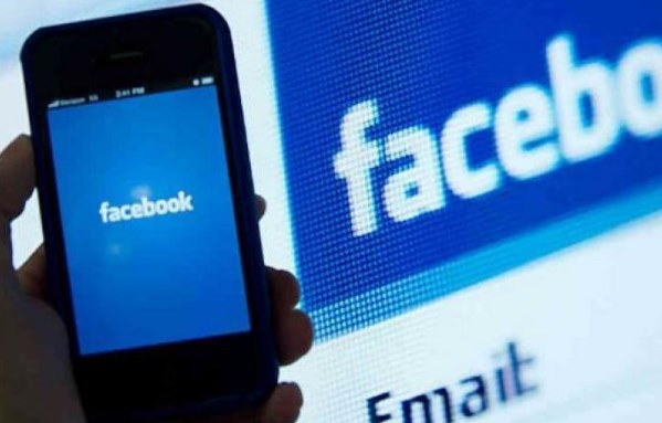 Facebook login no mobile phone