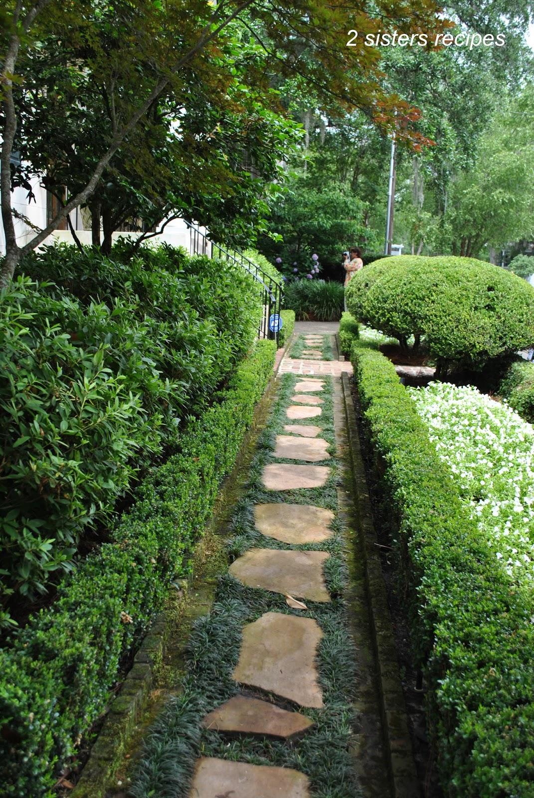 Charleston annual garden tour part i 2 sisters recipes for Landscaping rocks charleston sc