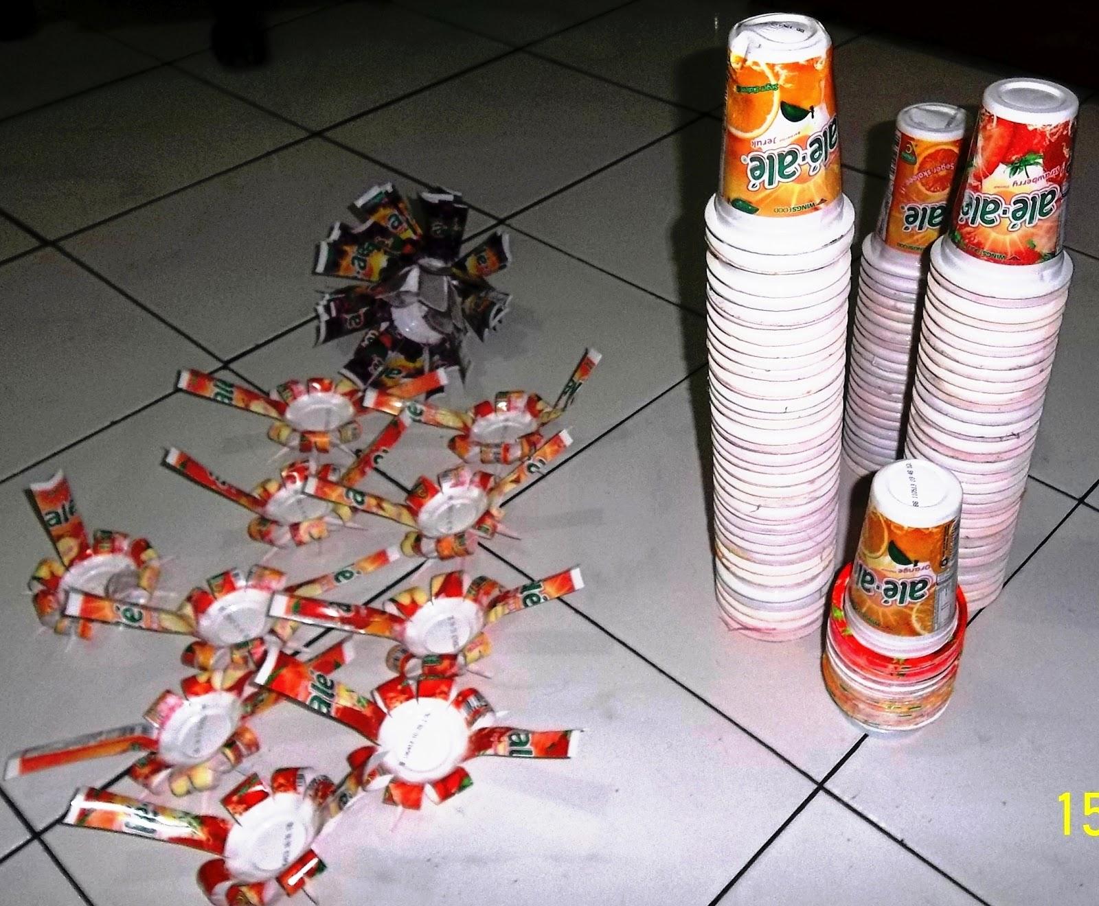 Gambar Gelas Plastik Ale-ale sebelum di proses dan setelah menjadi hasil  kreasi berupa Tirai lihat gambar sbb   765d23bd96