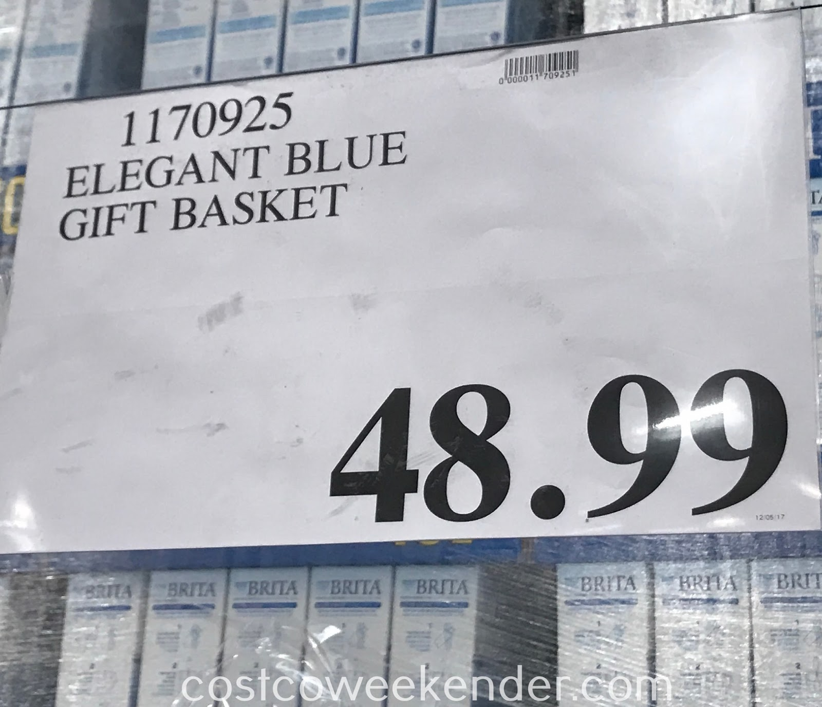 Costco 1170925 - Elegant Blue Gift Basket: great as a gift for the holidays