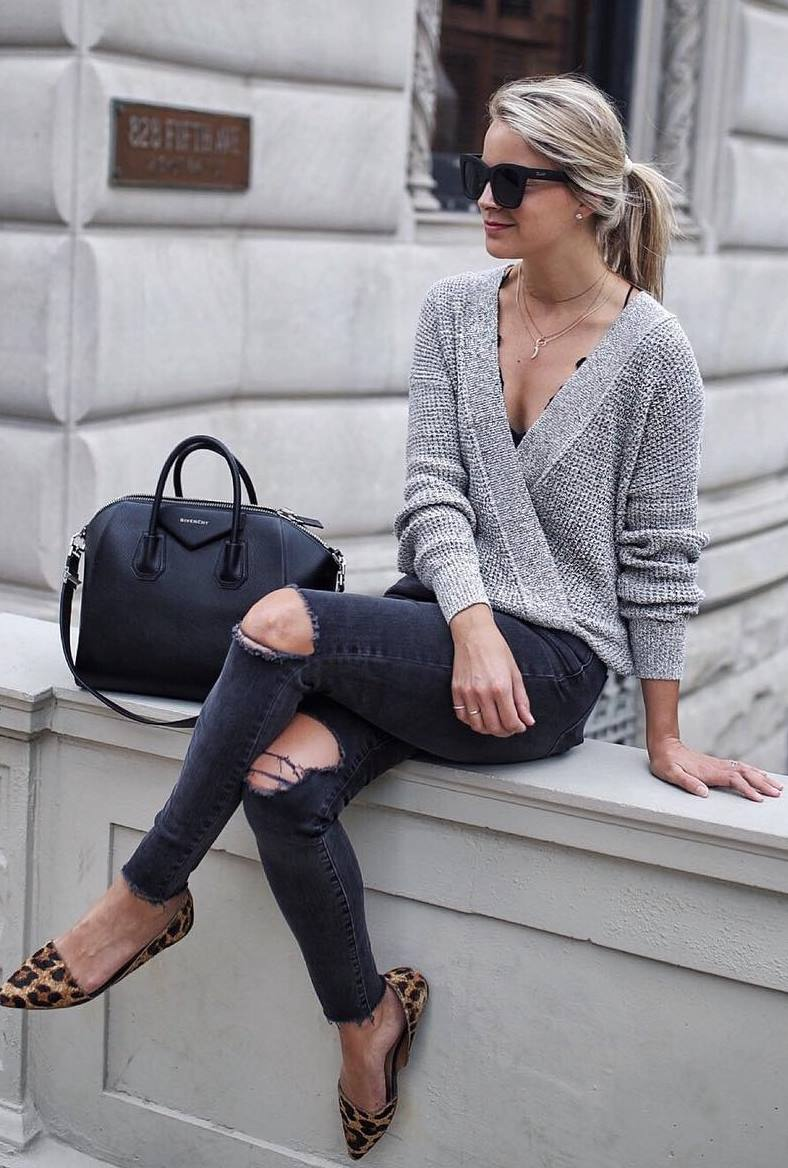casual outfit inspiration / black bag + knit sweater + ripped jeans + flats
