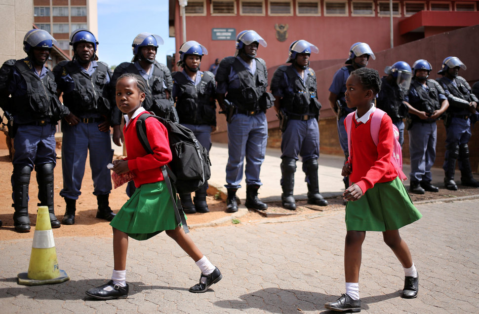 30 Beautiful Pictures Of Girls Going To School Around The World - South Africa