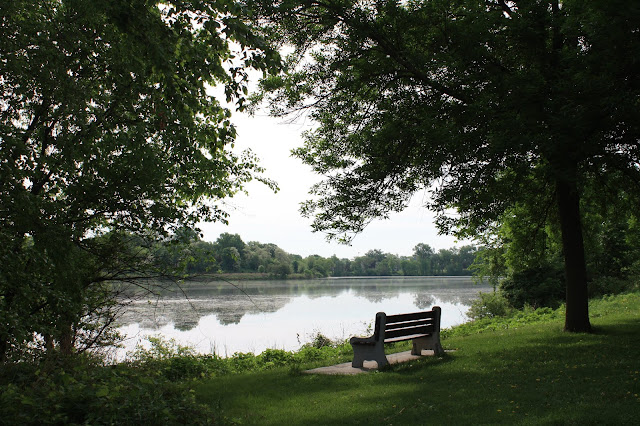 Quiet moments for rest in nature at Como Lake