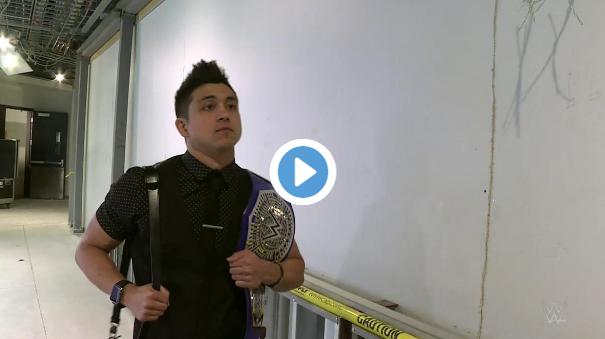 وصول بطل الوزن المتوسط باركينز إلى مبنى عرض الكلاش أوف شامبيونز (فيديو)