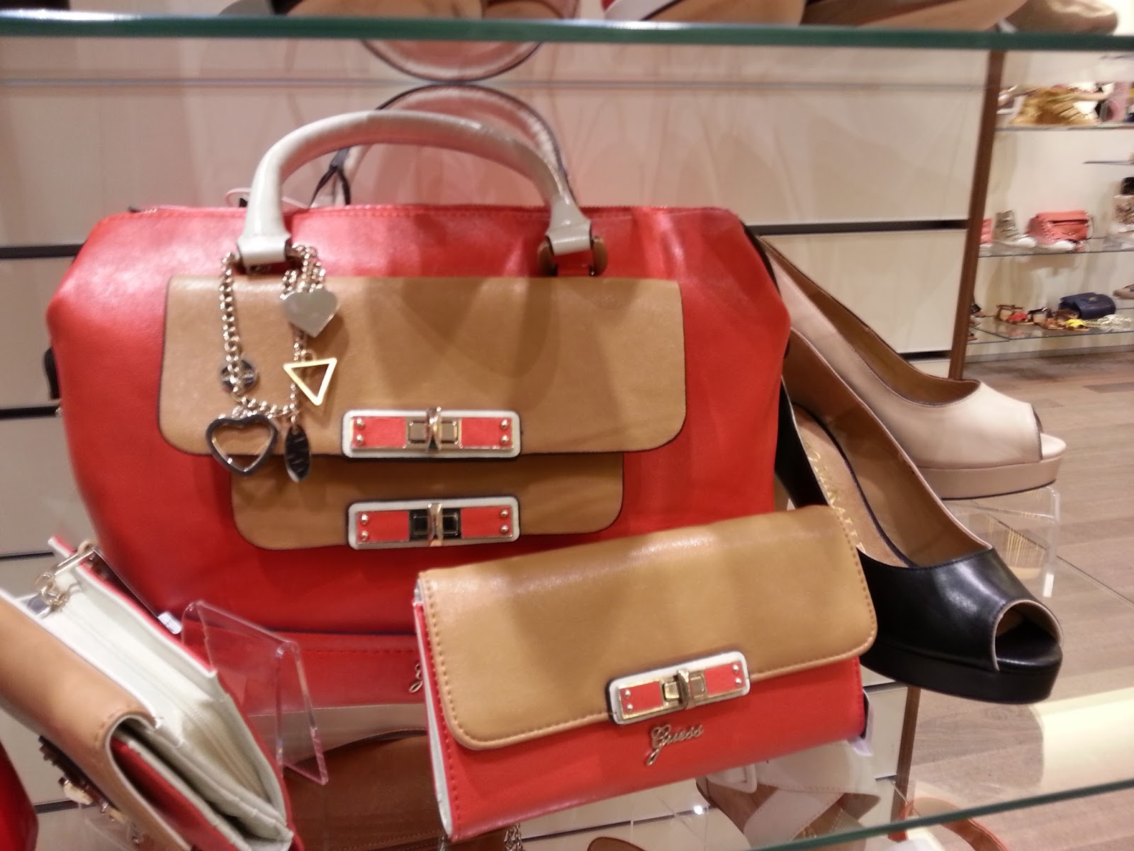 Leather handbags Materials and Care