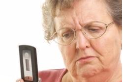 4 Ponsel Ini Sengaja Diciptakan untuk Lansia