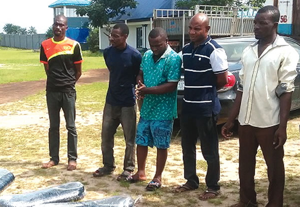nigerian navy arrest oil thieves akwa ibom