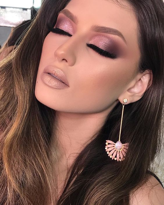 glitter pink makeup idea for this fall