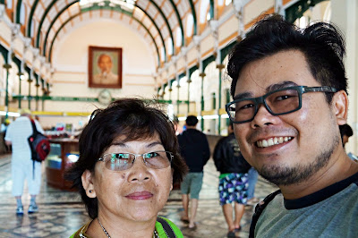 Traveling with mom di Vietnam