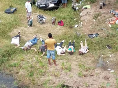 TRAGÉDIA: CARRO CAI DE PONTE E DEIXA 6 MORTOS EM PERNAMBUCO