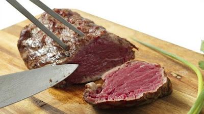 Deputados querem proibir consumo de carne segunda-feira