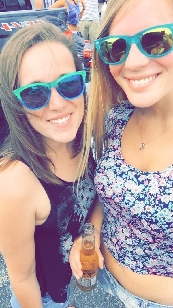 9e122c6e8 Morably — 48 Beautiful Girls with Sunglasses
