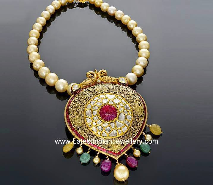 Huge Antique Pendant Pearls necklace