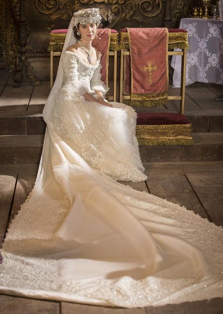 Vestido de noiva Branca (Nathalia Dill), figurino Liberdade Liberdade