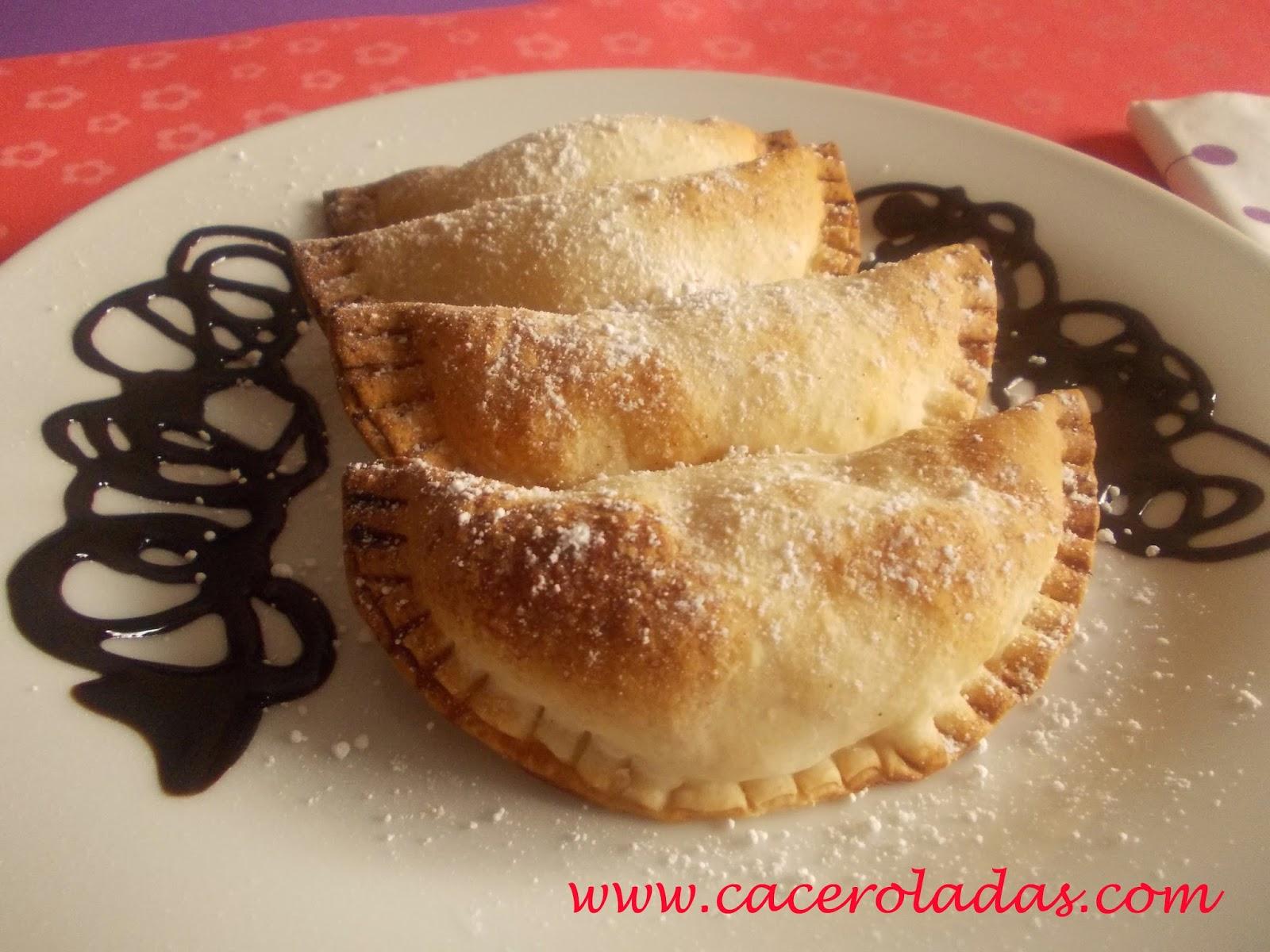 Empanadillas dulces de crema pastelera