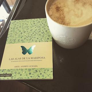 """las alas de la mariposa ariel andrés almada comanegra starbucks lo que leo"""