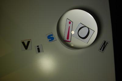 imagen de letras en una pared