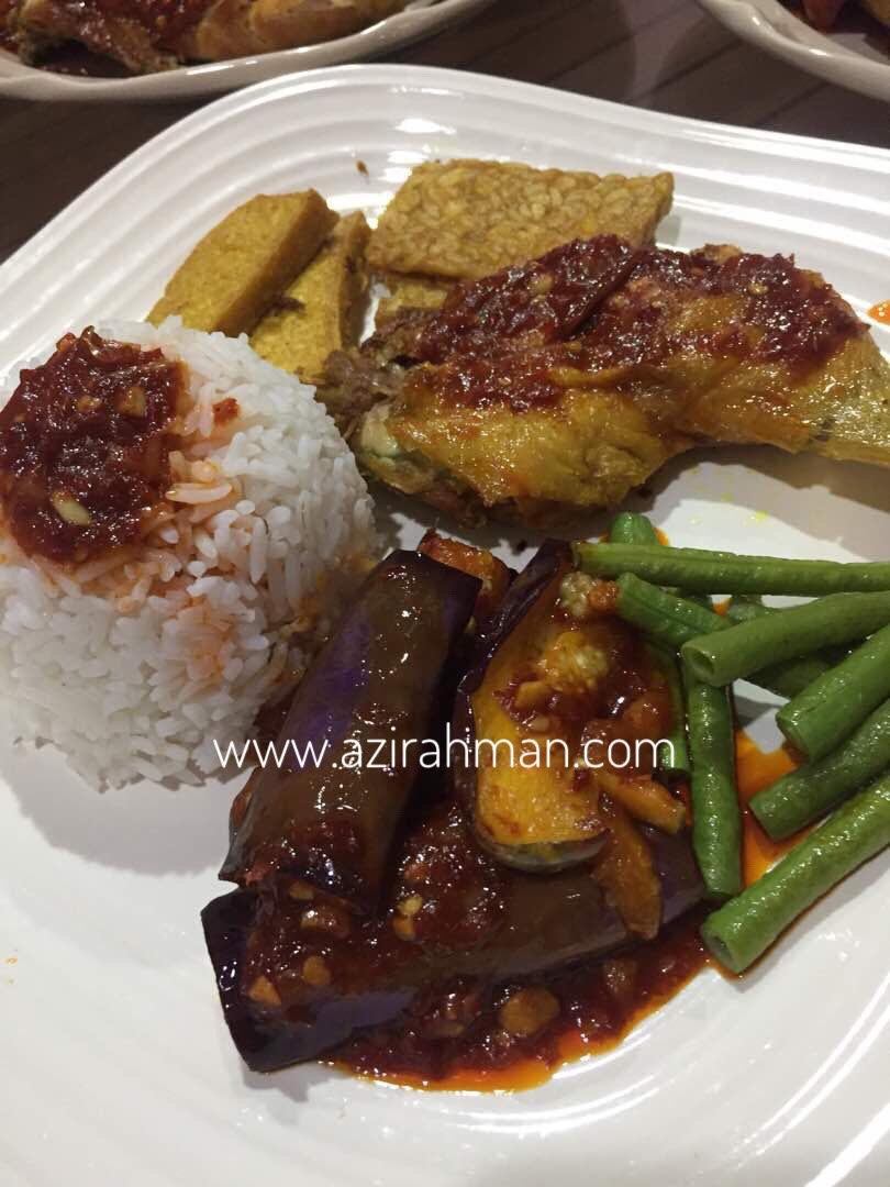 nasi ayam penyet, resepi mudah disediakan, masakan kegemaran anak-anak
