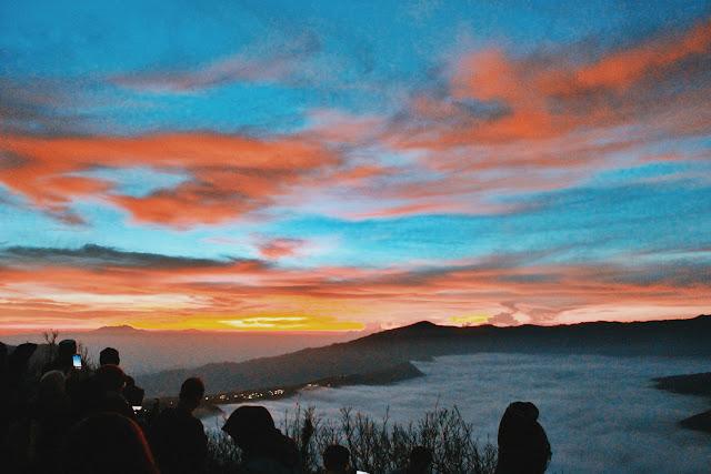 Indahnya Sunrise Taman Nasional Bromo Tengger Semeru