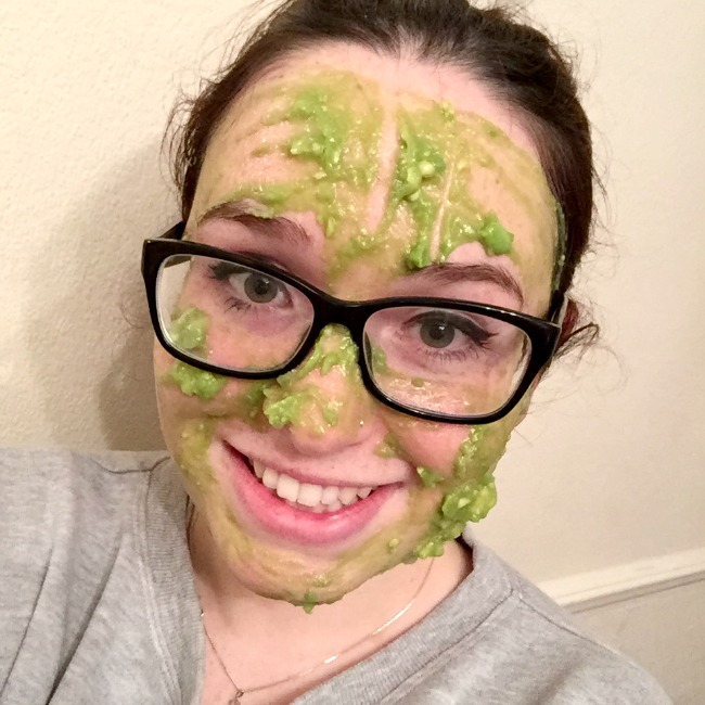 Homemade avocado and honey face mask - Nourish ME www.nourishmeblog.co.uk