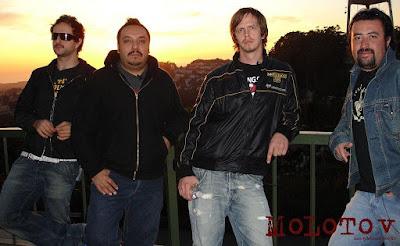 Foto de Molotov posando