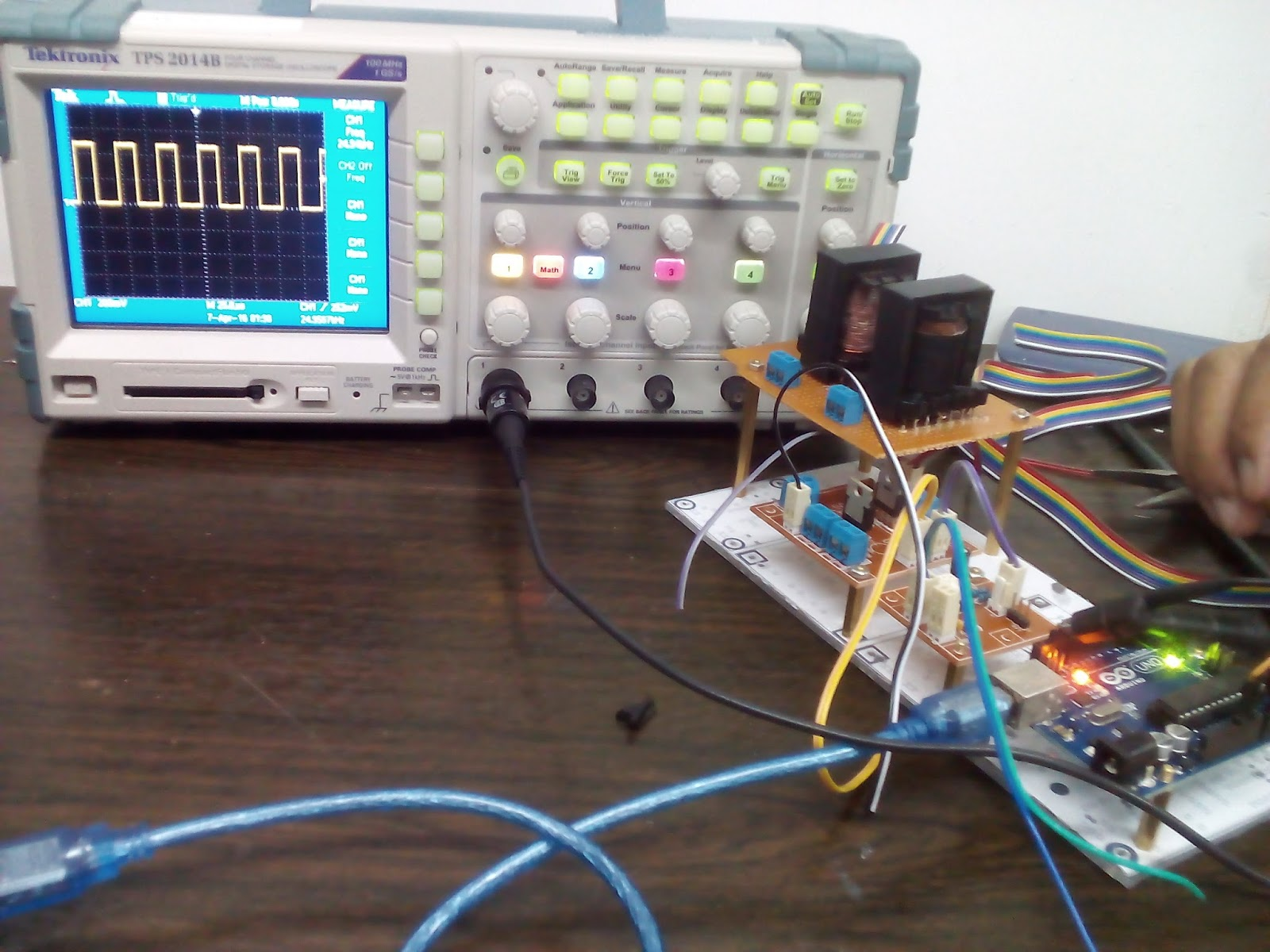 Change the frequency of a digital pwm on Arduino