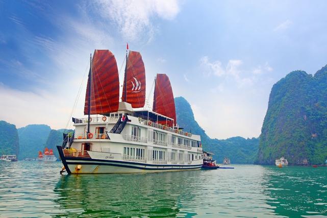 Pelican Cruise, Bahía de Halong (Vietnam)
