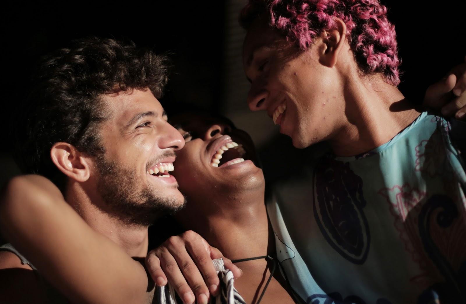 Filme Africano intended for r e v i d e: corpo elétrico, de marcelo caetano