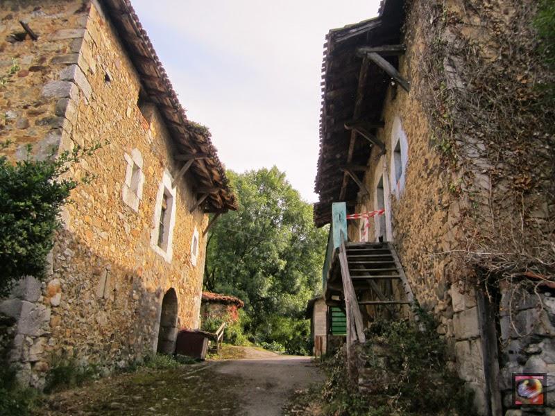 Barrio de Burbustu en Zaratamo (Bizkaia)
