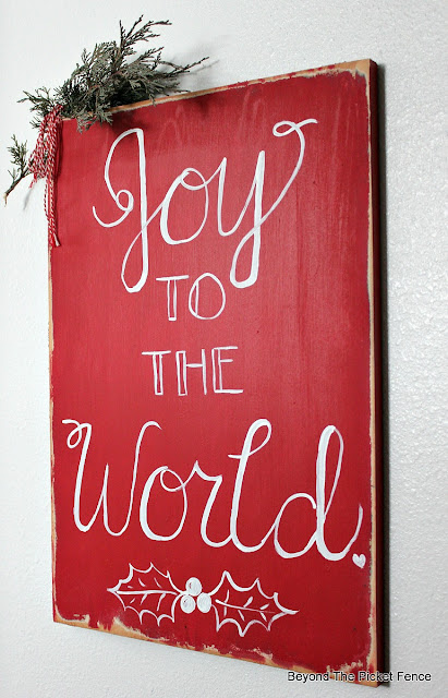joy to the world, hand lettered, fusion mineral paint, https://goo.gl/UQPOsP