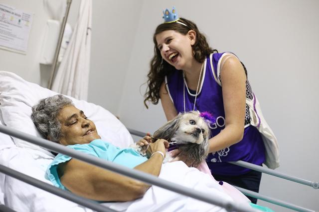 INTERNA 2 1 - Cães alegram a vida dos pacientes do Hospital de Apoio de Brasília