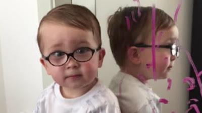 [Video] Kena Marah Conteng Cermin, Budak Laki Ni Salahkan Batman