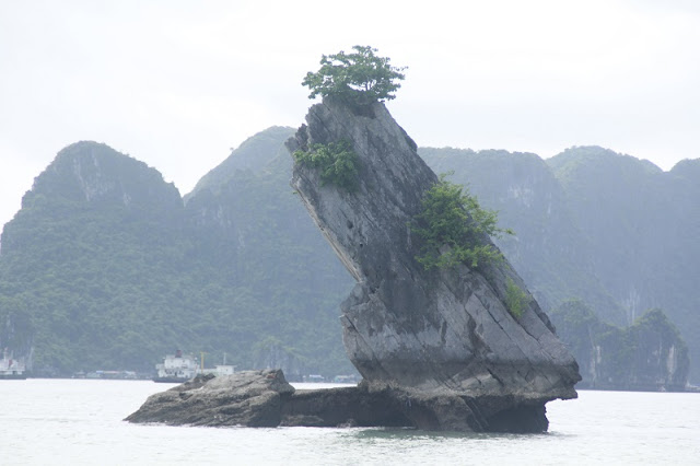 Admire Halong Bay - One of 7 World Natural Wonders 2