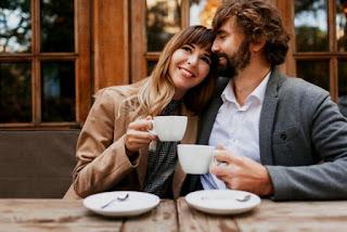 Bagaimana Membuat Kesan Yang Baik Pada Seorang Wanita yang Anda Suka