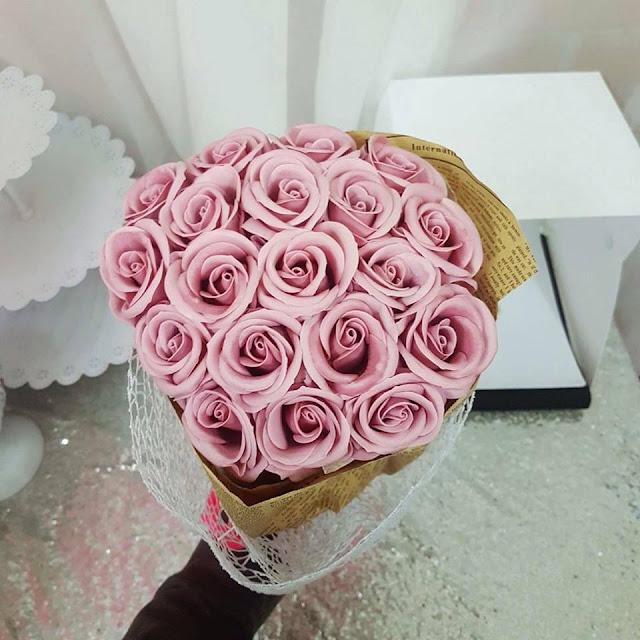 Hoa hong sap thom vinh cuu tai Buoi
