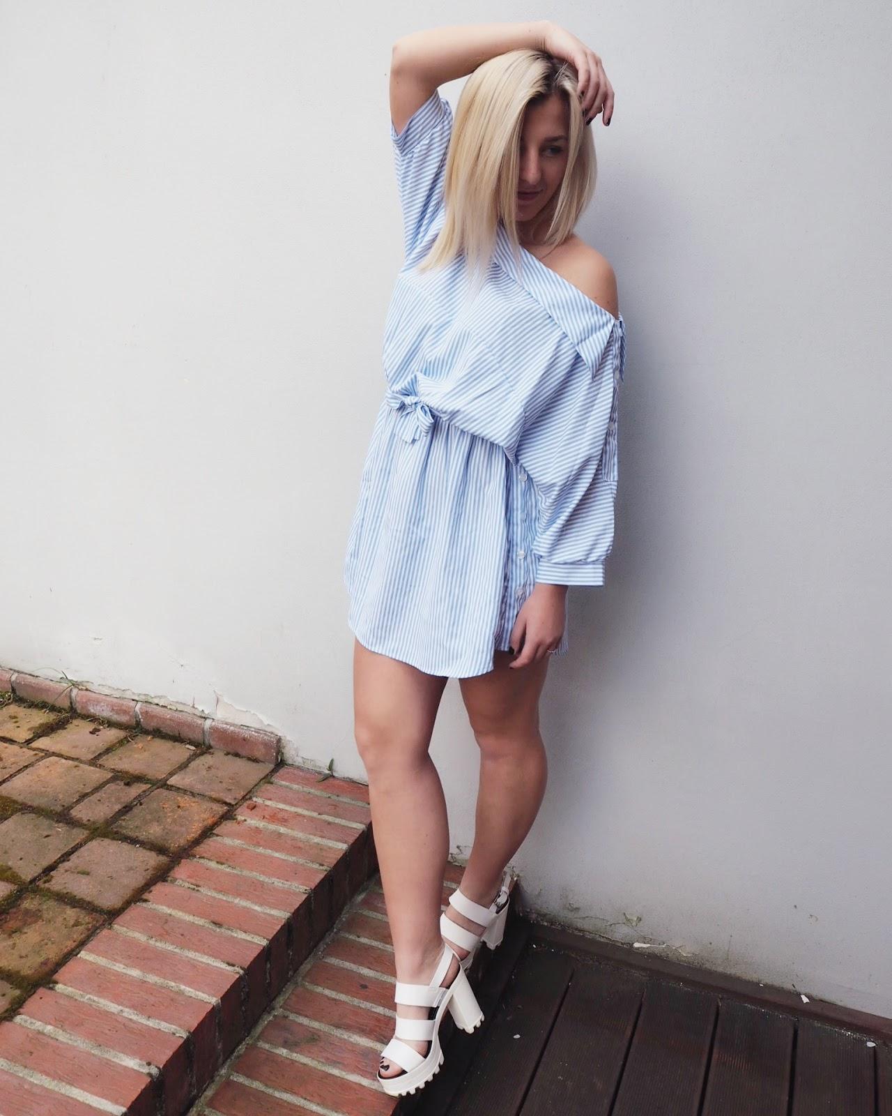 b6093c987 Tyhle košilové šaty jsem opět sehnala na Vinted a strašně se mi líbil  jejich tvar a holé rameno.