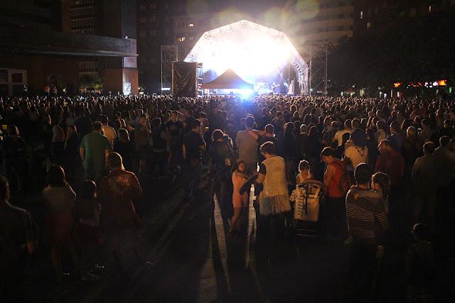 Escenario central en Herriko Plaza