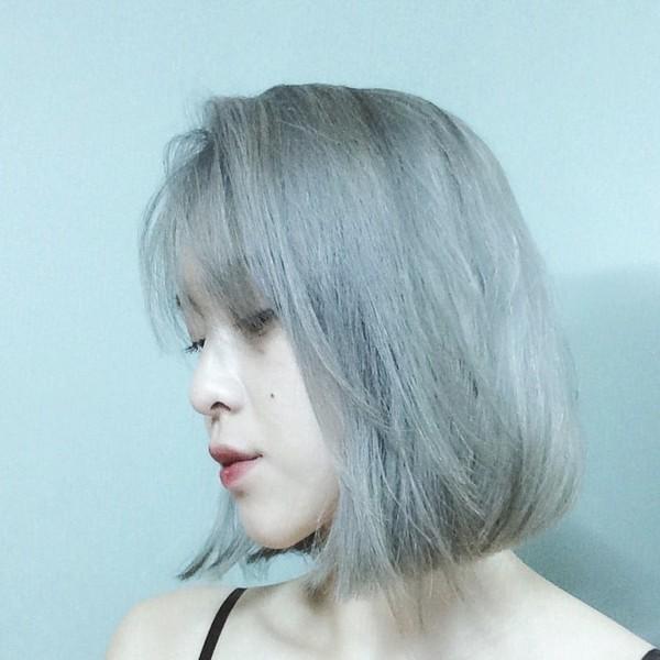 Mái tóc bob ngắn nổi bật hơn với tone màu khói