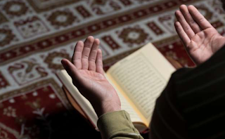 Muslims to March on Amazon Over Prayer Breaks