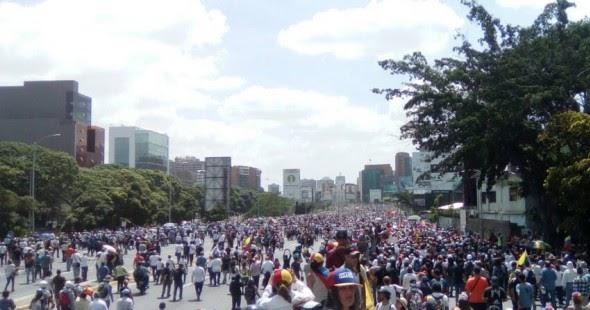 Apertura venezuela ciudadan a intent movilizarse hasta for Ministerio de interior venezuela