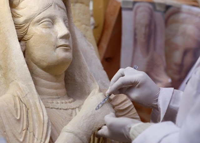 Archaeologists restore ancient Palmyra artefacts